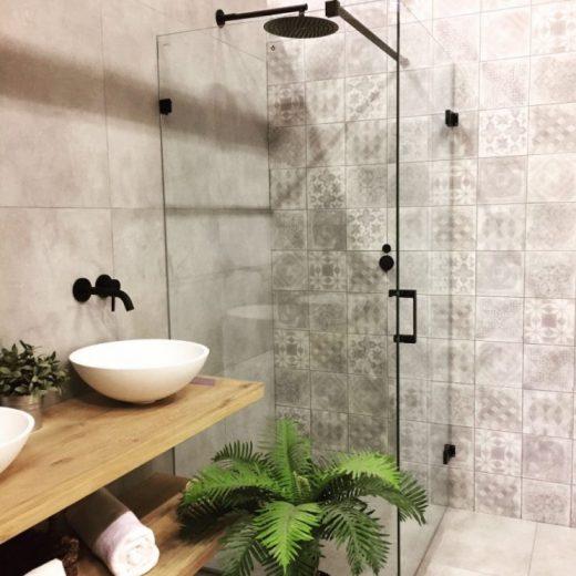 koele-zwarte-kraan-voor-badkamer-d-trend-van-nu-zwarte-kranen ...